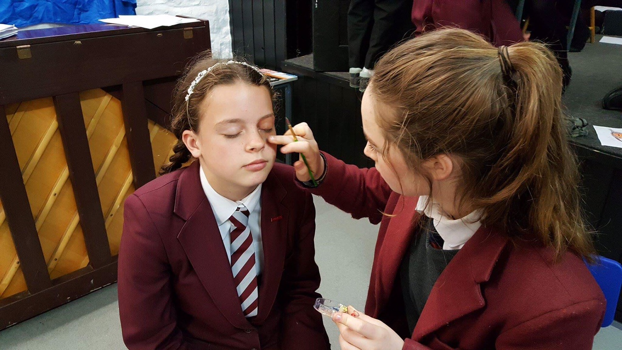 drama stage makeup How to apply stage makeup applying stage makeup is a fun part of being involved in a theatrical production many stage actors apply their own makeup before performances, with a little help from makeup technicians.